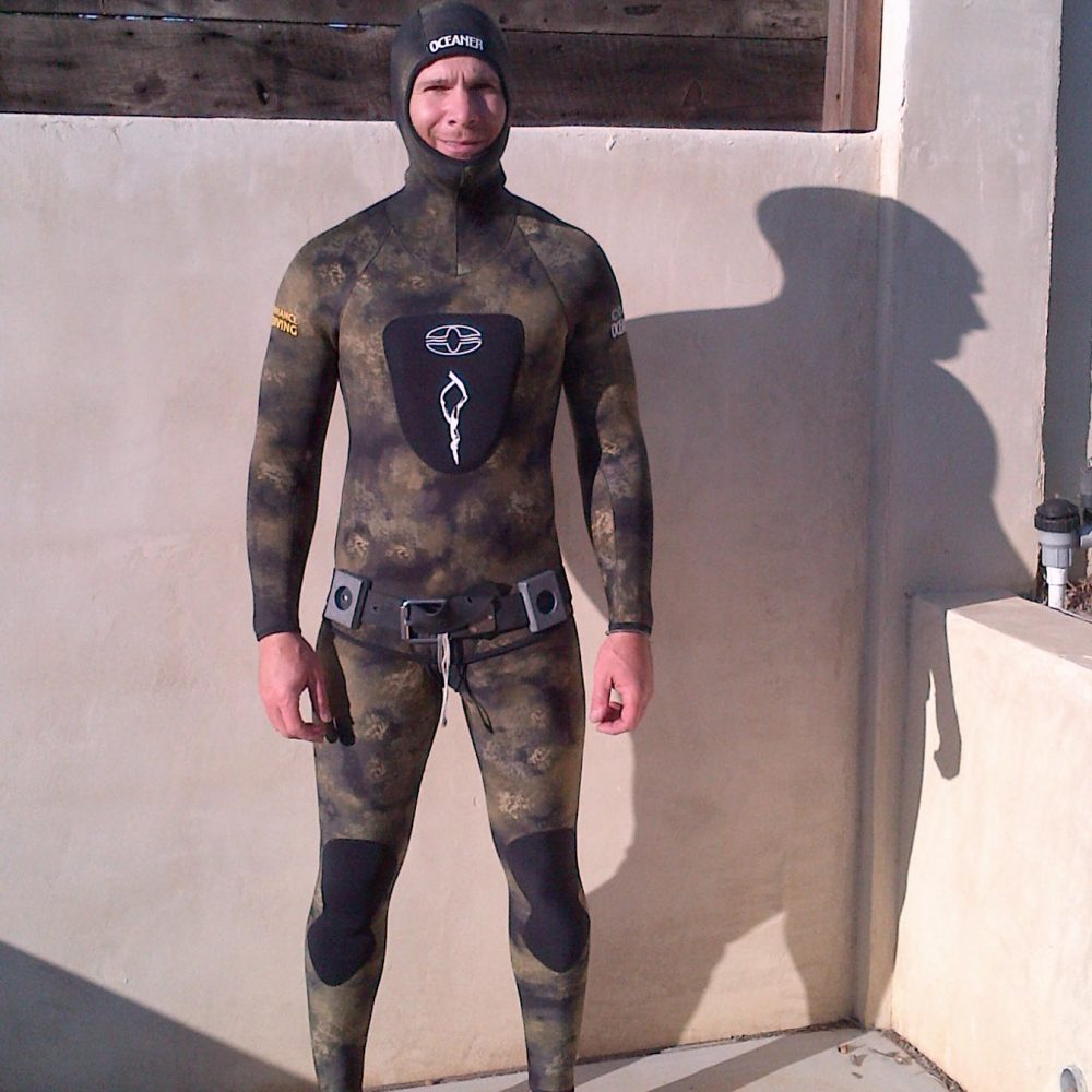 wetsuit for spearfishing